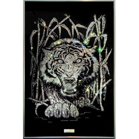 Тигр в тростнике белый